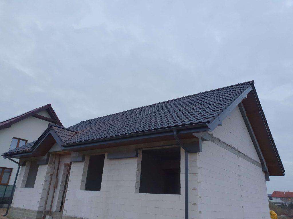 Dach pokryty dachówką Roben Piemont